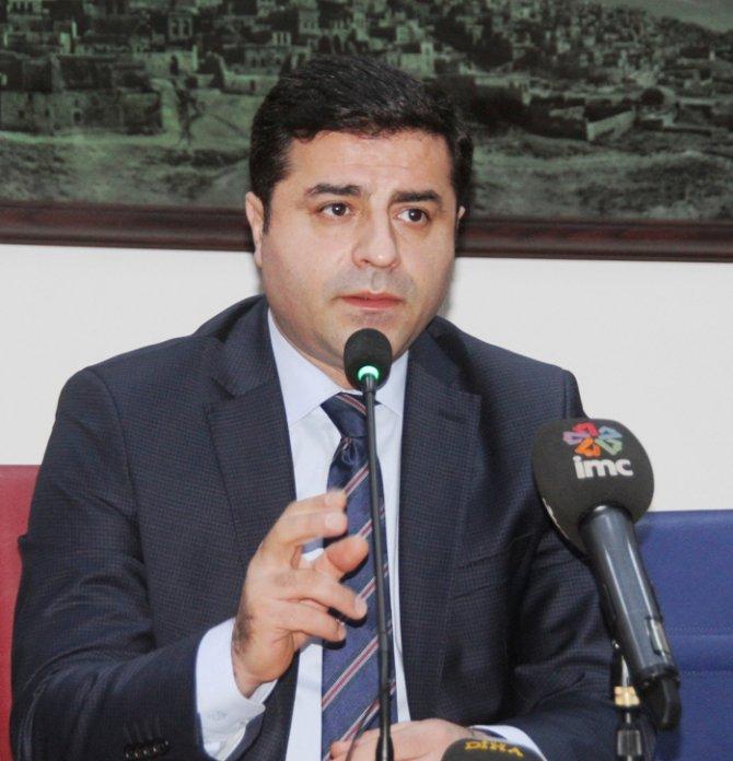 Demirtaş: Saray, Ergenekon ve Ulusalcılarla anlaşma yaptı