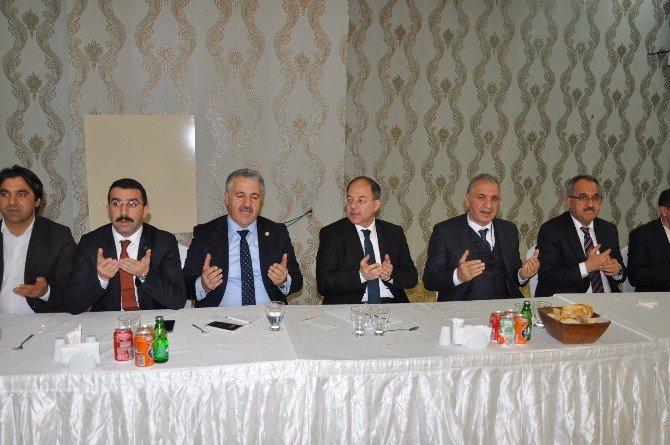 Kars'ta Başkanlık Sistemi Konuşuldu