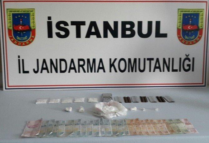 Üniversite Öğrencilerine Satılmak Üzere İstanbul'a Getirilen 30 Bin TL'lik Uyuşturucu Madde Ele Geçildi