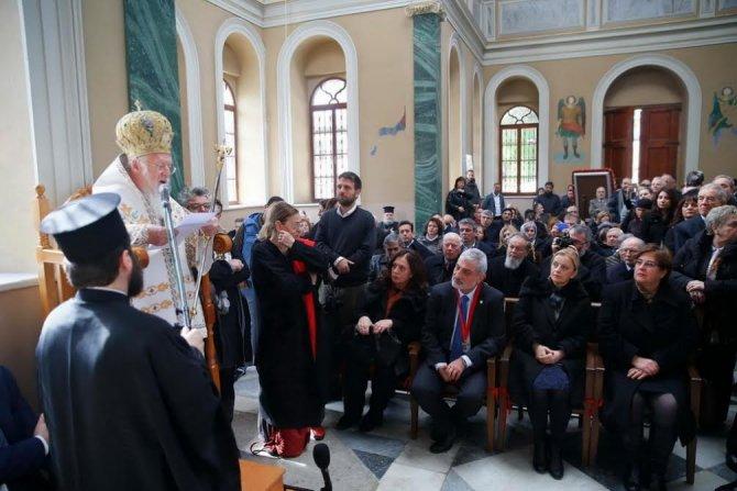 Fener Rum Ortodoks Patriği Bartholomeos İzmir'de ayin yönetti