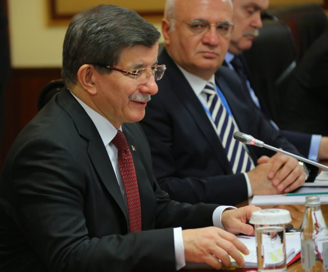 Davutoğlu, Kazakistan Başbakanı Masimov ile görüştü