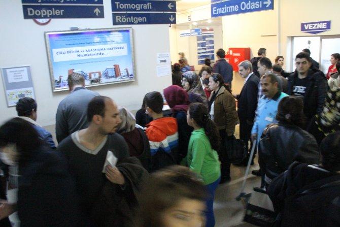 CHP Milletvekili Çıray: Hastane kuyrukları sabah namazında başlıyor