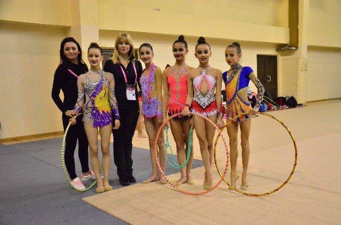 Ritmik Cimnastik Kulüplerarası Genç Ve Büyükler 1. Etap Müsabakaları Adana'da Başladı