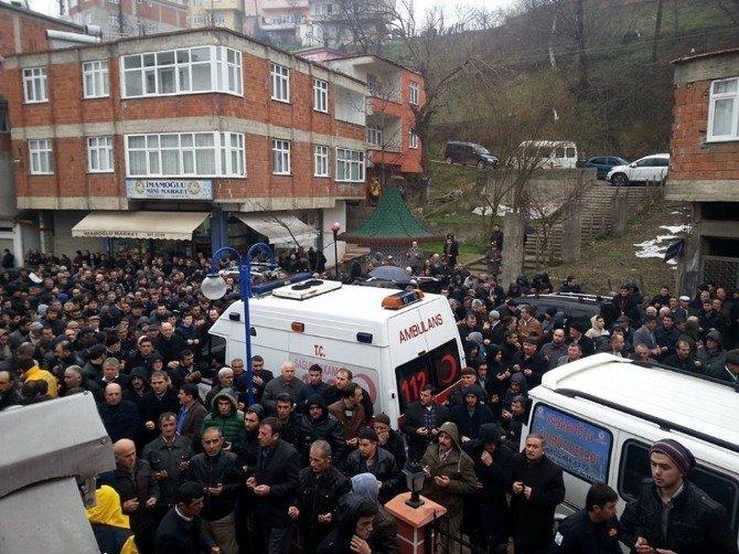 Kazada Ölen Ambulans Şoförü Toprağa Verildi