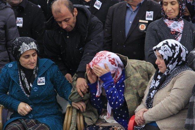 Hakkarili Şehit Teğmen Özatak'a Hüzünlü Tören