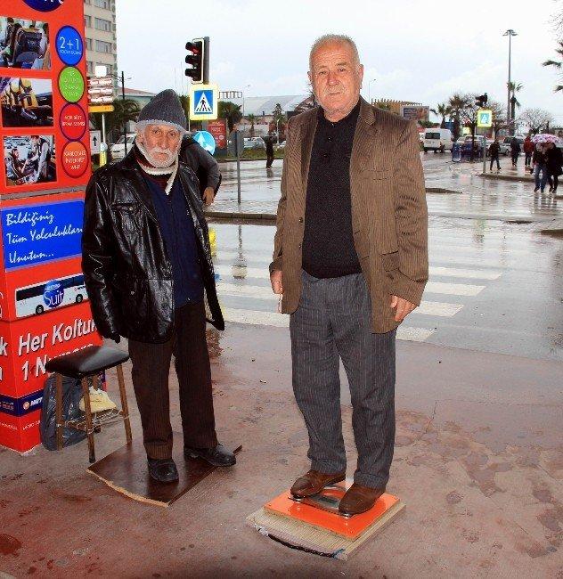 82 Yaşında Tartıcılık Yaparak Geçimini Sağlamaya Çalışıyor