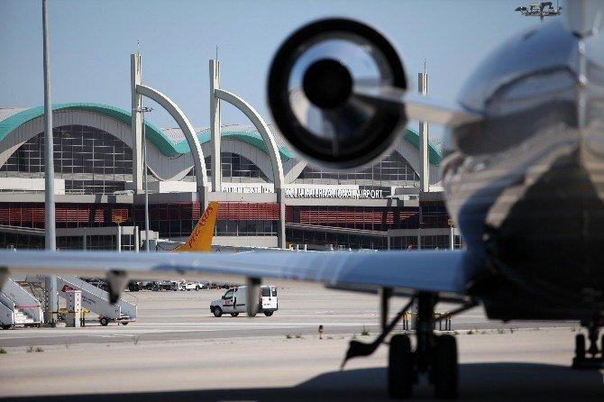 Sabiha Gökçen Havalimanı Yine Zirvede