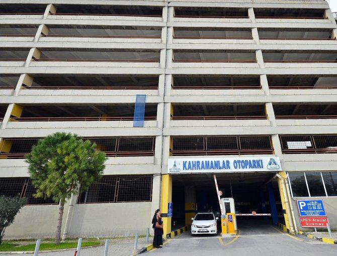 İzmir Büyükşehir, Kahramanlar Kapalı Otoparkı'nın ücretlerini düşürecek