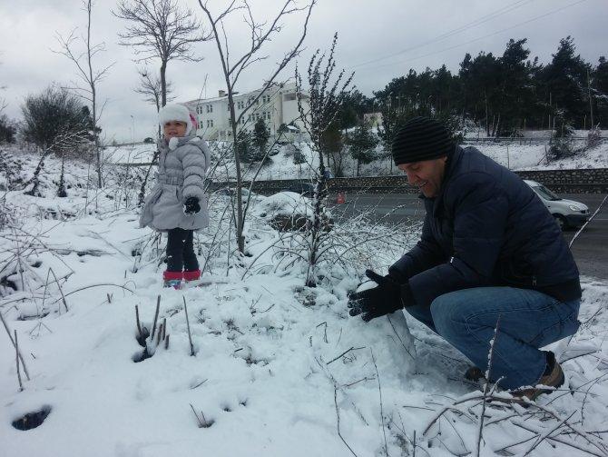 İzmir'de yağan kar, kartpostallık manzaralar oluşturdu