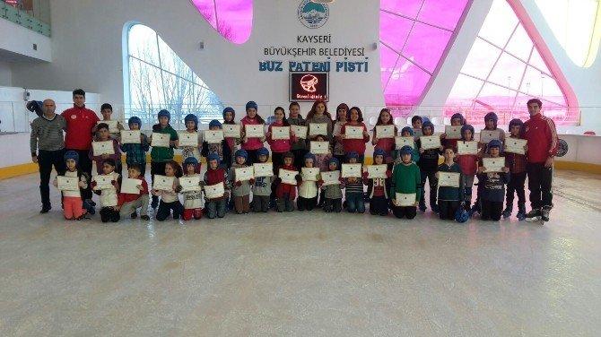 Kış Spor Okullarında Sertifika Heyecanı