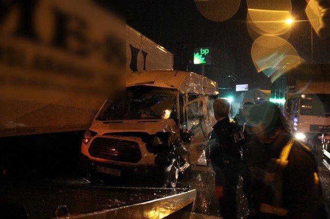 Vardiyası Biten Fabrika İşçileri Kazada Ölümden Döndü: 8 Yaralı