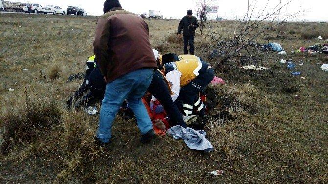 Suriyelileri Taşıyan Minibüs Şarampole Yuvarlandı: 1 Ölü, 26 Yaralı