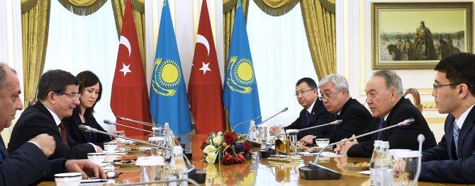 Davutoğlu'nu kabul eden Nazarbayev: Rusya-Türkiye krizi bize büyük sorun oldu