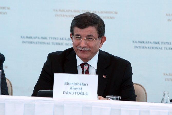 Davutoğlu, Kazakistan'dan ayrıldı