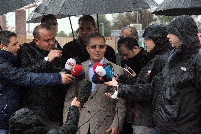 """Vali Tapsız: """"Sivillere Yönelik Hava Saldırıları Durduğu Takdirde Kitlesel Göç Olmayacak"""""""