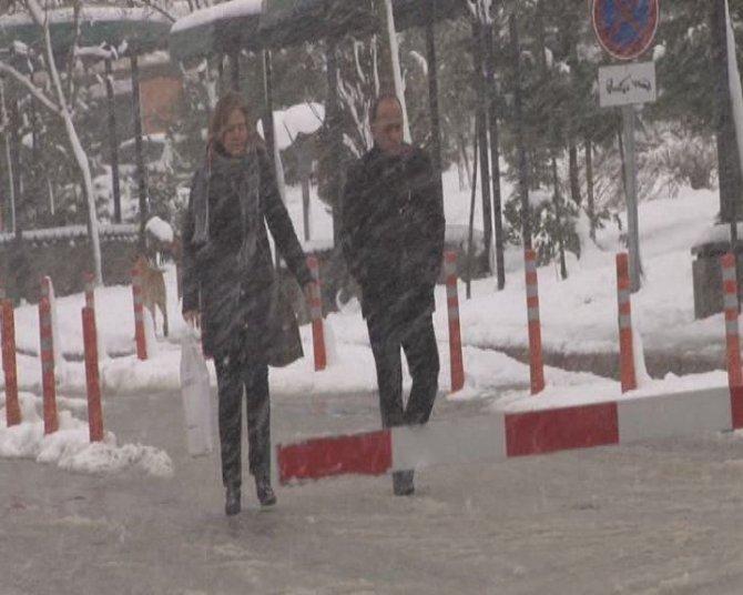 Kocaeli'nin yüksek kesimlerinde etkili kar yağışı