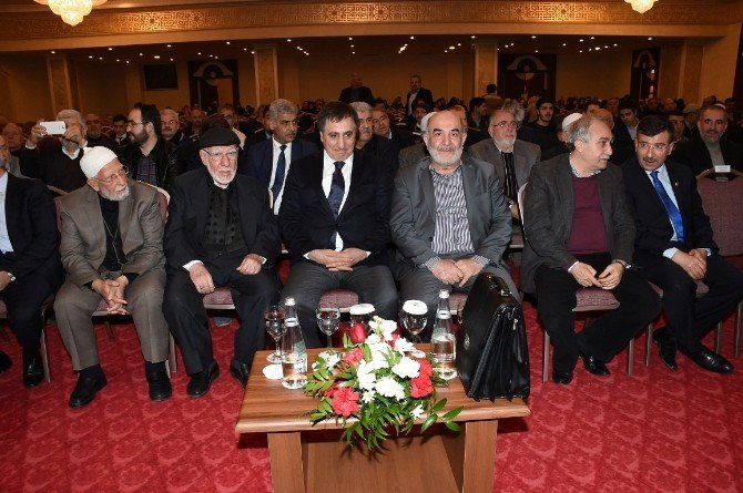 Gazeteci - Yazar Ahmet Taşgetiren Şanlıurfa'da Konferans Verdi