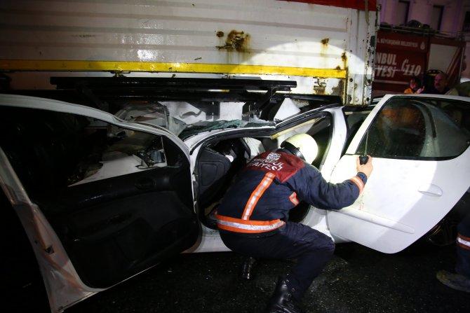 Küçükçekmece'de kaza: 3 yaralı