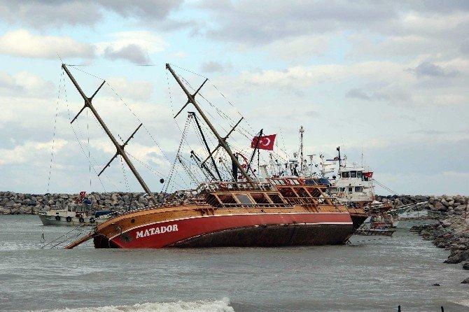 Kuşadası'nda Yatların Denize Açılması Yasaklandı