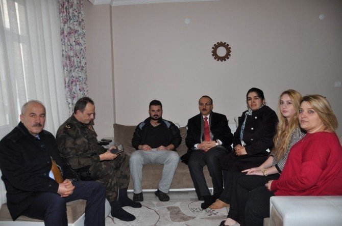 Vali Yavuz Yaralı Polisleri Ziyaret Etti