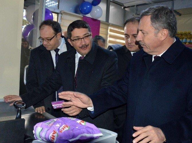AK Partili Özdağ Gıda Bankası Açılışına Katıldı