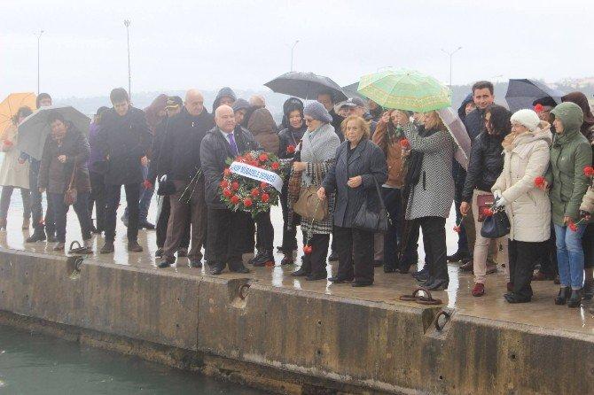 Sinoplu Mübadiller Denize Çelenk Bıraktı