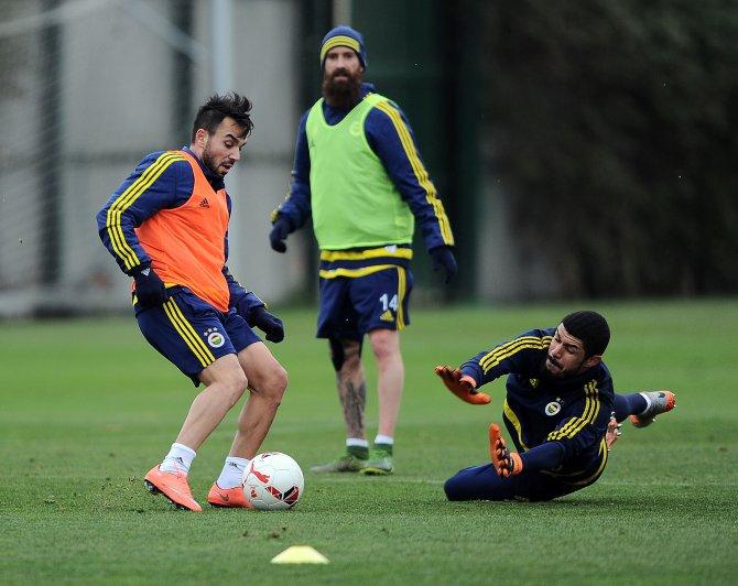 Ligde yara alan Fenerbahçe, kupa maçı hazırlıklarına başladı