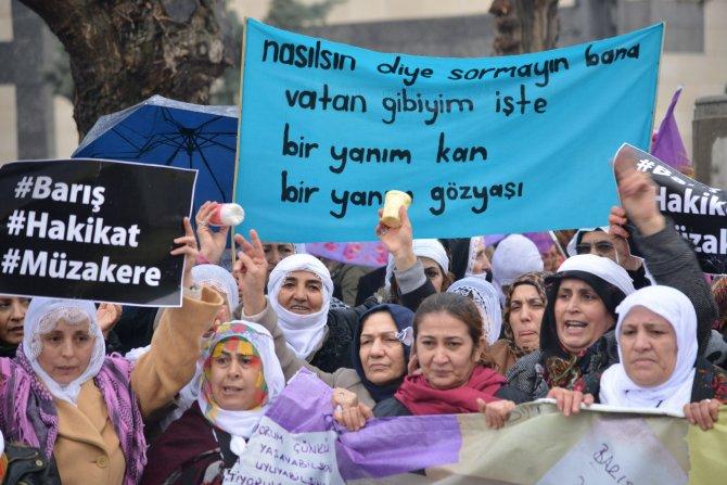 Kadınlar barış için Diyarbakır'da buluştu