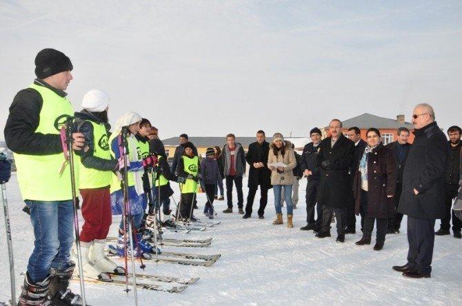 Vali Yavuz Kayak Merkezini İnceledi