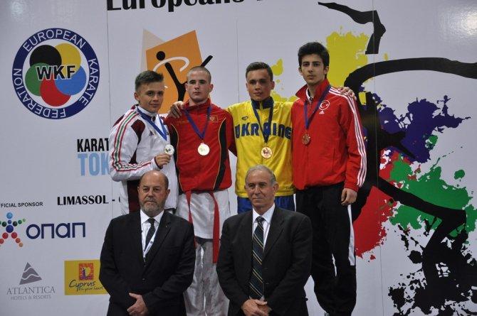 Avrupa'da günü 3 madalya ile tamamladılar zirvede kaldılar