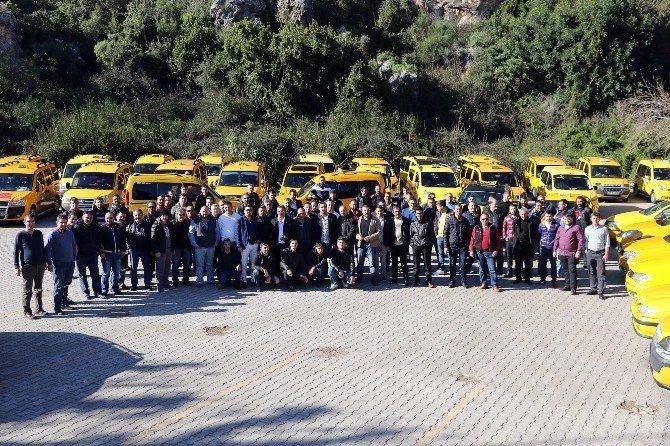 Antalyalı Taksicilerin Birlik Gösterisi