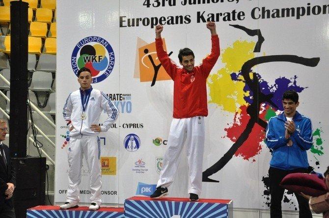 Bakan Çağatay Kılıç, Milli Karatecileri Tebrik Etti
