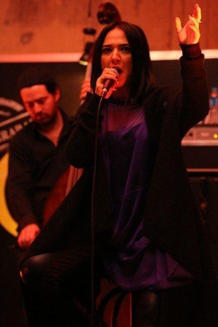 Banu Güven'den Müzik Ziyafeti