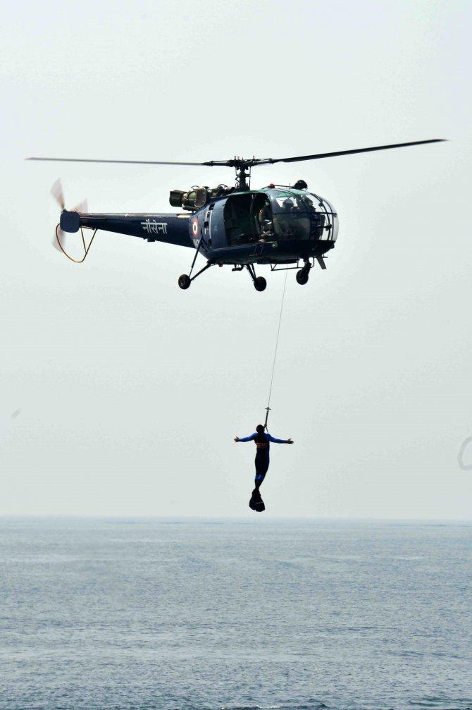Hindistan'da 50 ülkenin katıldığı donanma tatbikatı