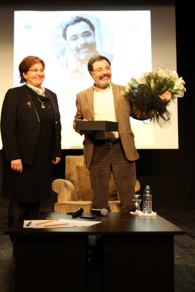Ahmet Ümit, Konak'ta okurlarıyla buluştu