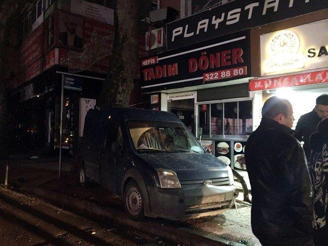 Alkollü Sürücü İş Yerine Daldı, Kaza Güvenlik Kamerasına Yansıdı