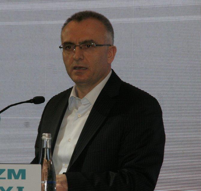 Turizm Bakanı Ünal, turizmdeki kayıpları 'paralel'e bağladı