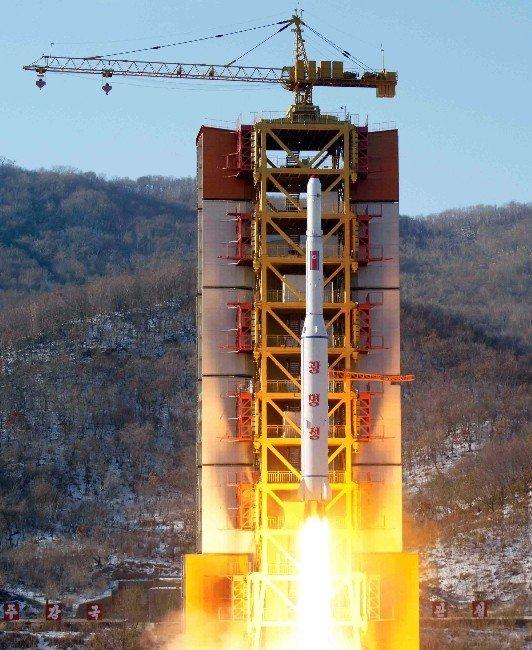 Kuzey Kore Uzun Menzilli Füze Fırlattı, Güney Kore ABD'den Hava Savunma Sistemi Talep Etti