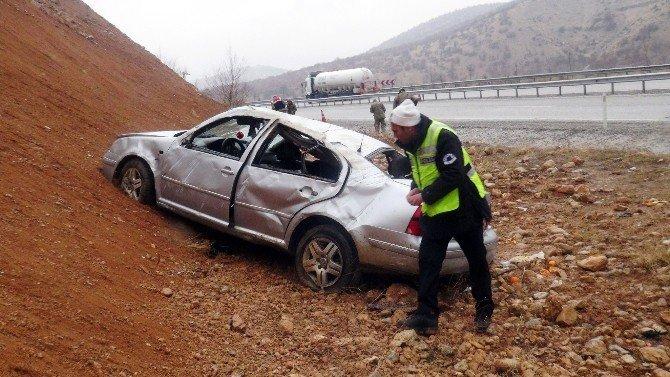 Malatya-adıyaman Karayolunda Kaza: 5 Yaralı