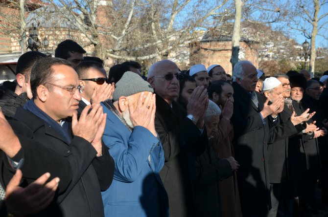 Milli Görüş öncülerinden Fehim Adak tekbirlerle uğurlandı
