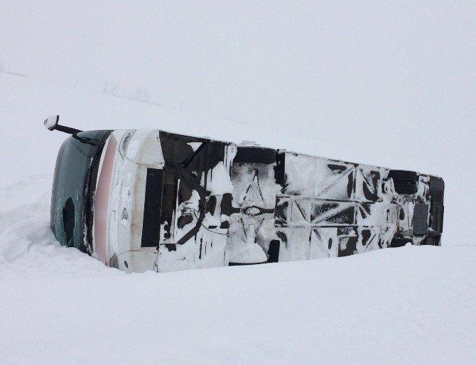 Muş'ta Otobüs Yan Yattı: 40 Yaralı