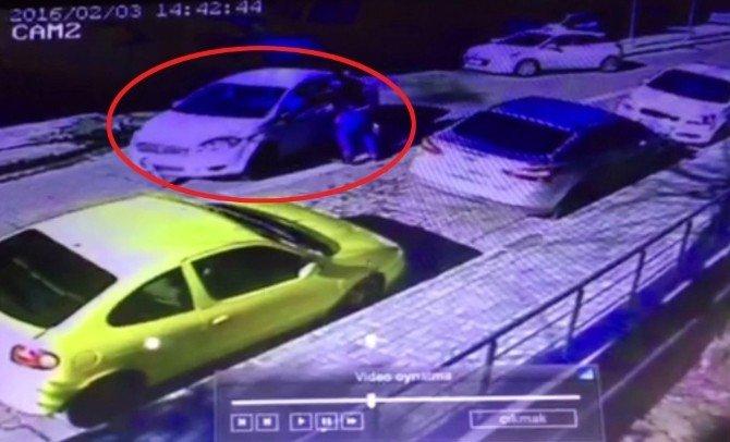 Polisten Kaçan Araç Önce Kaza Yaptı, Sonra Polisin Ayağını Ezdi