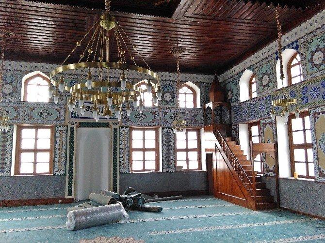 Seyitgazi'de Çarşı Camii'nin Restorasyonunda Sona Gelindi