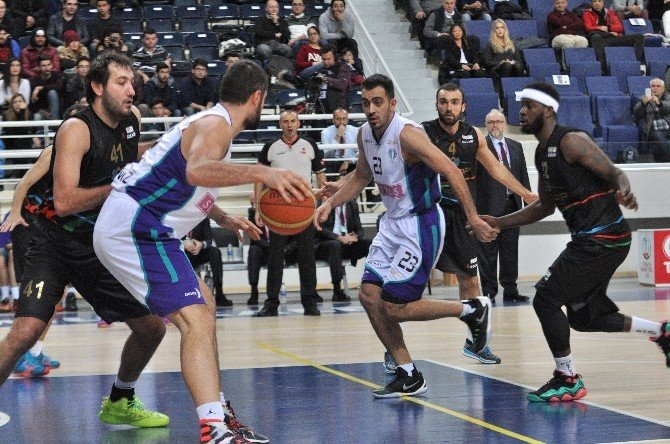 Sinpaş Denizli Basket'te Galibiyet Sevinci