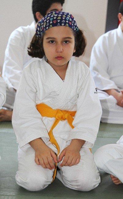 """Doç. Dr. Gündoğdu: """"Aikido, Beden Ve Beyin Gelişimi İçin Faydalıdır"""""""