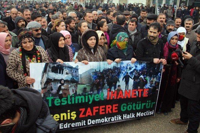 Van'da 'Barışa SES Ver' Yürüyüşüne Polis Engeli