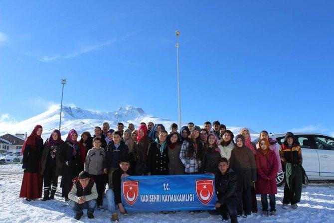 Öğrenciler Erciyes'te kayak heyecanı yaşadı