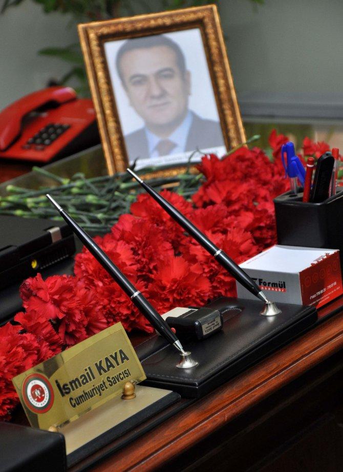 Kazada hayatını kaybeden Cumhuriyet Savcısı adliyedeki odasında anıldı