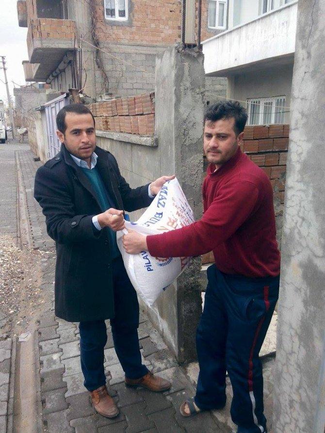 Gönül Elçileri ve Adıyamanlılar Vakfı'ndan mültecilere destek
