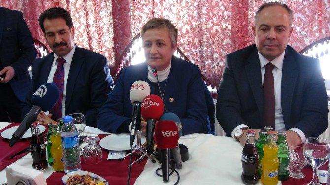 AKP Hakkari milletvekilleri kente geldi